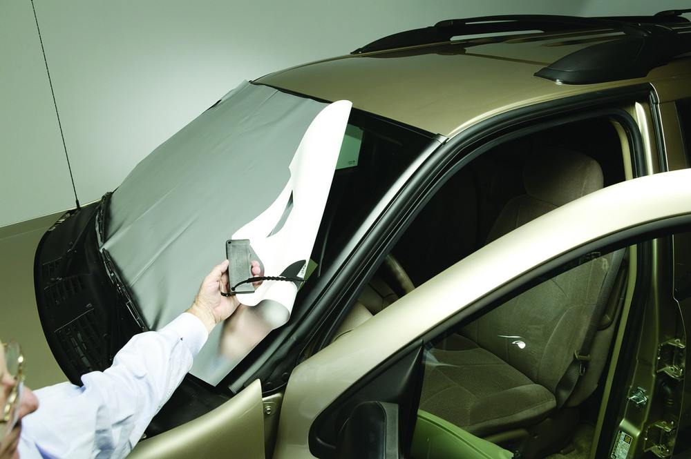 ADVANTAGE TRUCK ACCESSORIES - WeatherBuster Window Cover - AT2 10138