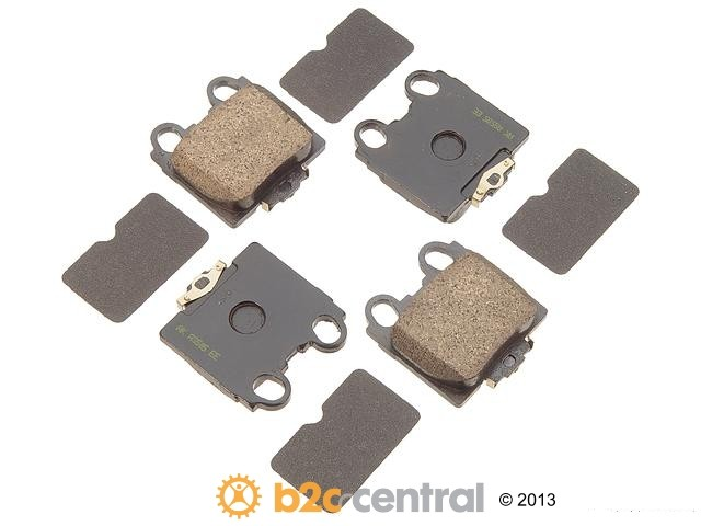 FBS - Akebono PRO-ACT Ultra-Premium Brake Pad Set Ceramic (Rear) - B2C W0133-1614687-AKE