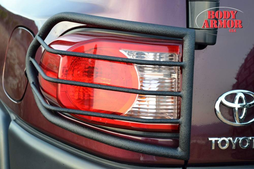 BODY ARMOR - Taillight guard 2007-2013 Toyota FJ Cruiser - BYA FJ-7135
