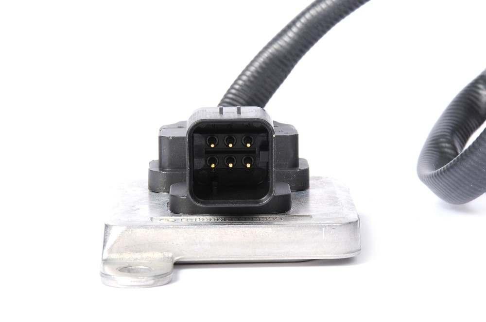 ACDELCO OE SERVICE - Diesel Emissions Fluid NOx (Nitrogen Oxide) Sensor - DCB 12641557