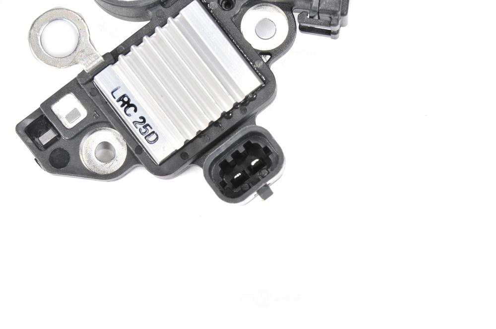 ACDELCO GM ORIGINAL EQUIPMENT - Voltage Regulator - DCB 13582947