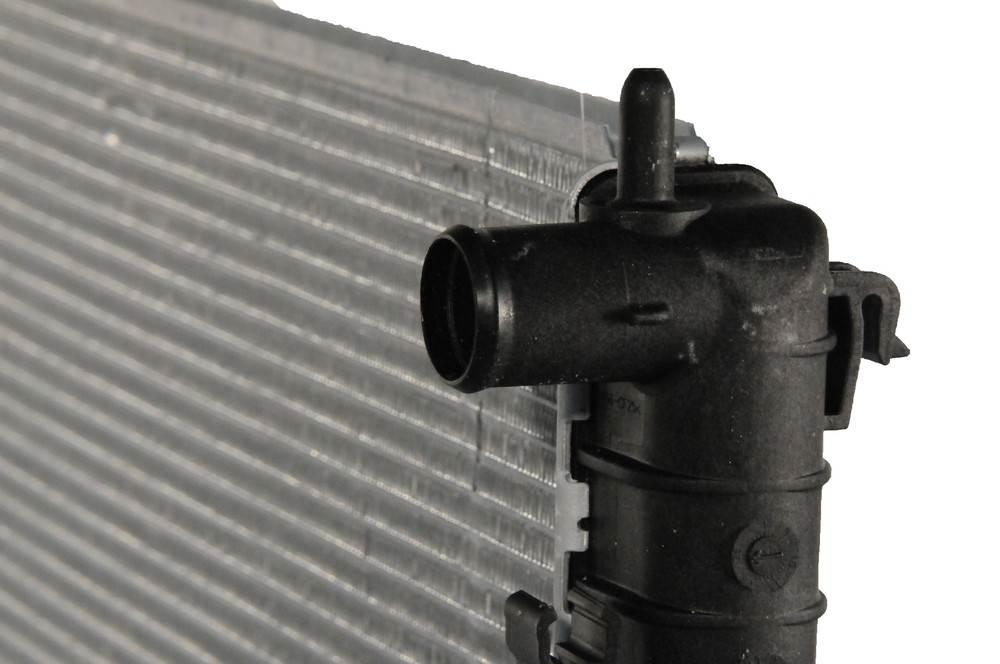 ACDELCO GM ORIGINAL EQUIPMENT - Radiator - DCB 21622
