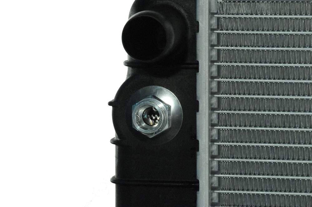 ACDELCO GM ORIGINAL EQUIPMENT - Radiator - DCB 21747