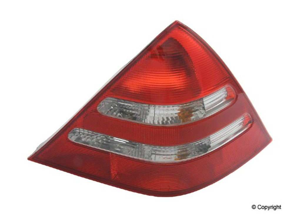 Genuine -  Tail Light Tail Light - WDX 860 33190 001