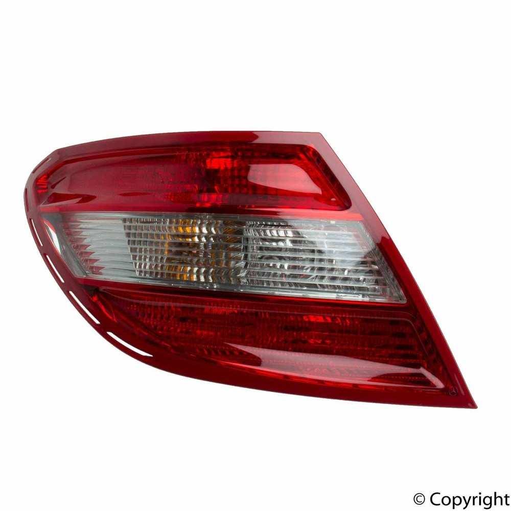 Genuine -  Tail Light Tail Light - WDX 860 33362 001