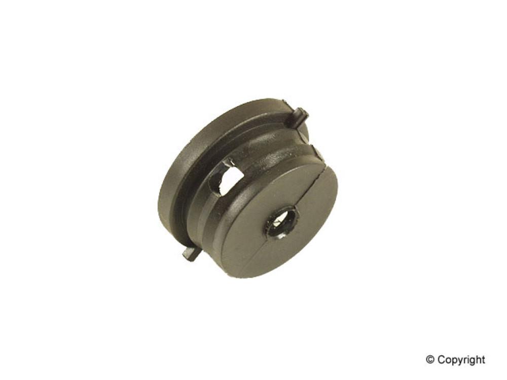 Engine -  Crankcase Breather Hose Grommet - IMM 51.601