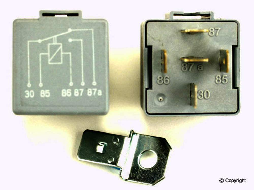 CRP -  Headlight Motor Relay - WDX 835 43009 589