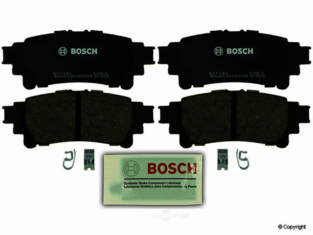 Bosch -  QuietCast Disc Brake Pad Set (Rear) - WDX 520 13910 462