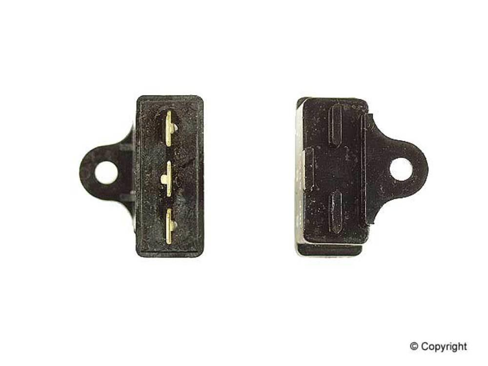 WD EXPRESS - Four Seasons A/C Compressor Cutoff Switch A/C Compressor Cut-Out Switch - WDX 807 26001 621