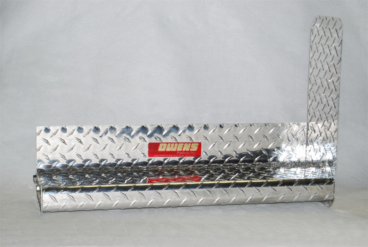 OWENS PRODUCTS - ClassicPro Series Diamond 4in. Running Board - OWE OC8419EX2