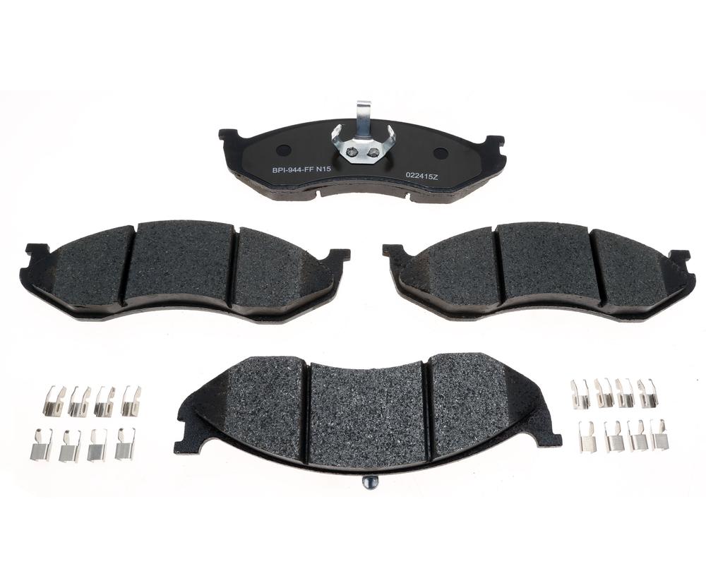 RAYBESTOS - R-Line; Metallic Disc Brake Pad Set (Front) - RAY MGD477MH