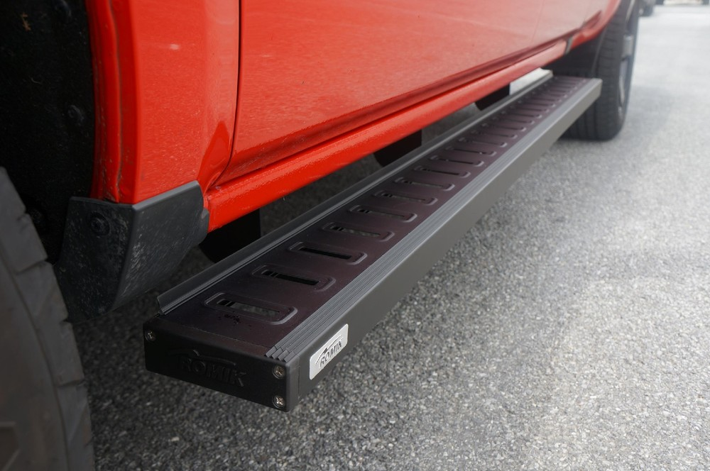 ROMIK - Quad Cab Running Board ROF-T Series Black - RMK 81343419