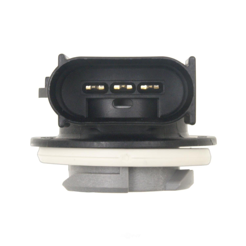 STANDARD MOTOR PRODUCTS - Turn Signal Light Socket - STA S-878