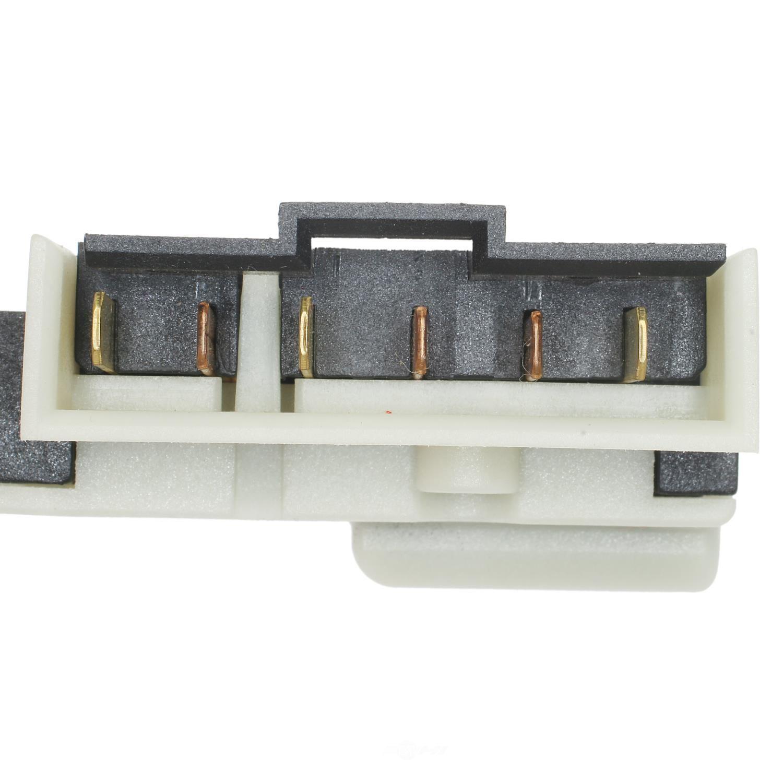 STANDARD MOTOR PRODUCTS - Brake Light Switch - STA SLS-303