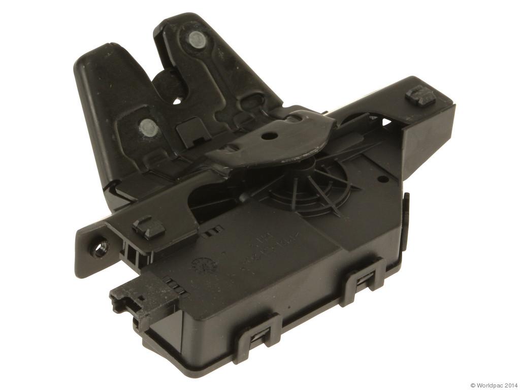B2C CENTRAL - Genuine Trunk Lock w/ Micro Switch - B2C W0133-1909804-OES