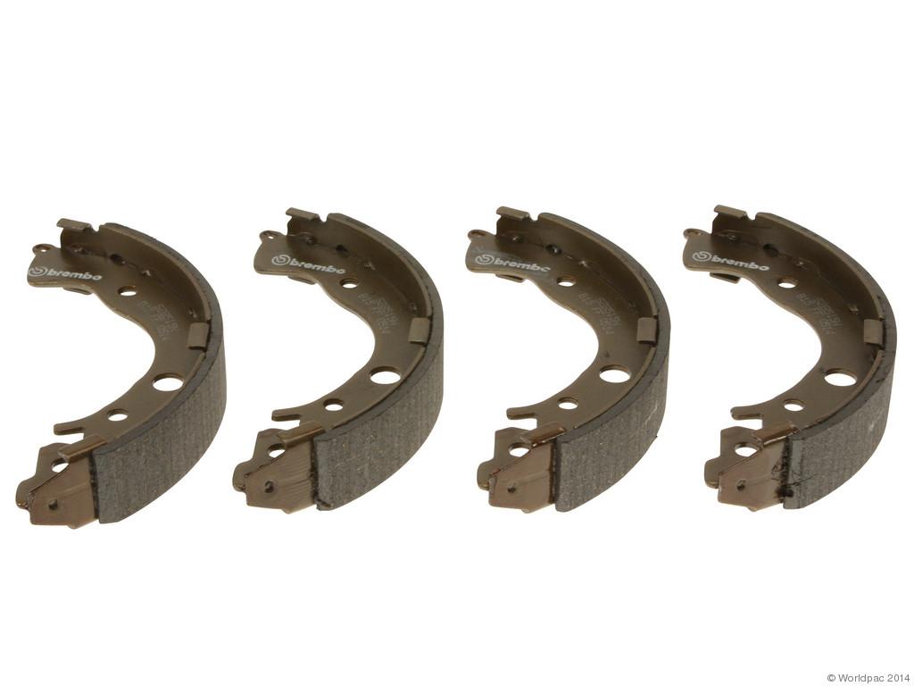 FBS - Brembo Drum Brake Shoe Set Set of 4 Shoes (Rear) - B2C W0133-1956932-BRE