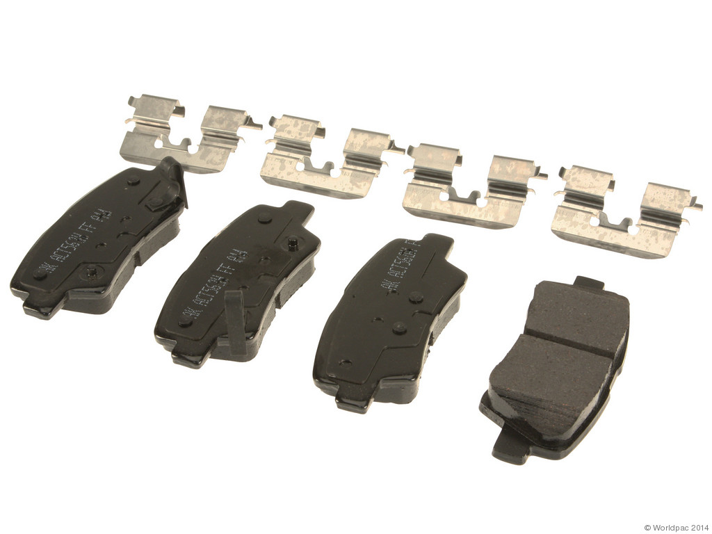 FBS - Akebono PRO-ACT Ultra-Premium Brake Pad Set Ceramic (Rear) - B2C W0133-1961576-AKE