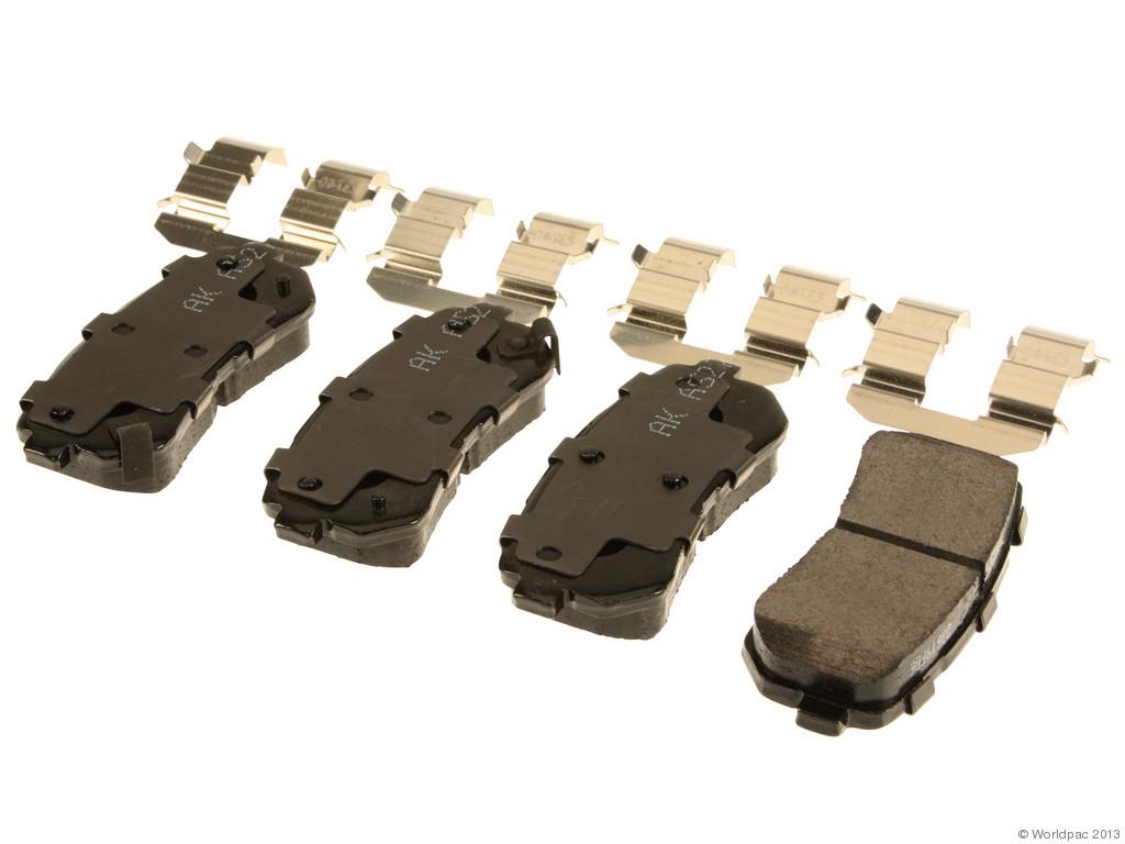 FBS - Akebono PRO-ACT Ultra-Premium Brake Pad Set Ceramic (Rear) - B2C W0133-1961577-AKE
