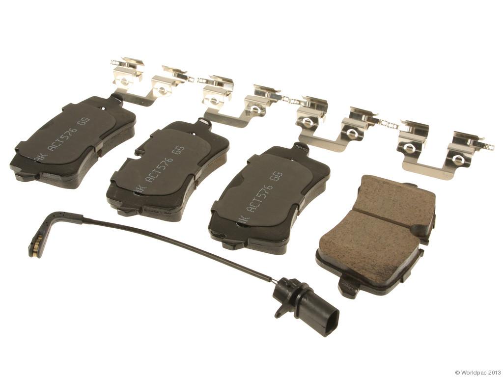 FBS - Akebono EURO Ultra-Premium Brake Pad Set Ceramic (Rear) - B2C W0133-1962949-AKE