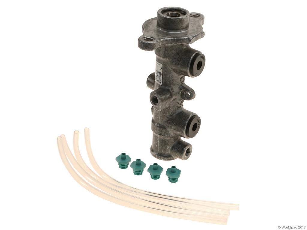 FBS - Cardone A1 Cardone Reman Brake Master Cylinder Reman - B2C W0133-2058574-CAR