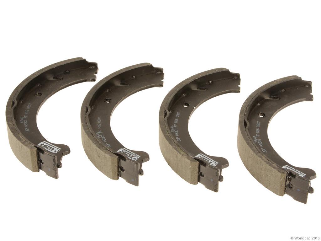 FBS - WBR Parking Brake Shoe Set - B2C W0133-2061018-WBR